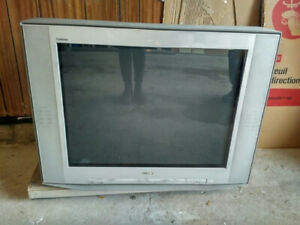 32 inch Sony old style TV for SALE