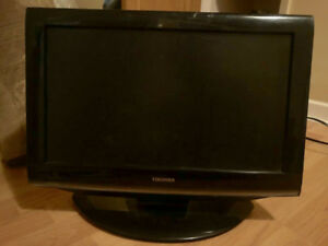 Toshiba 18 inch digital TV with built in DVD $40 OBO