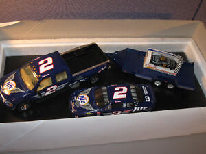ACTION Brookfiled Collectors Guild Rusty Wallace 1:24 Crew Cab