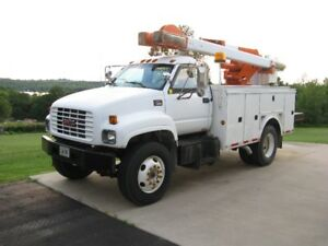 2000 GMC 7500 Bucket Truck - REDUCED