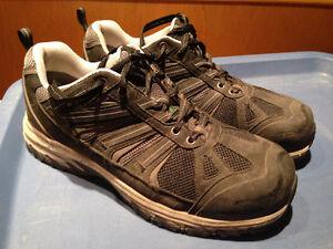 Mens size 9 EE Dakota steel toe shoes/boots