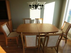 teak table, 8 chairs, hutch and corner unit  LIKE NEW Kingston Kingston Area image 2
