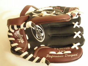 """Rawlings Baseball Gloves 8 1/2"""" and 9 """" size, wear on left hand"""
