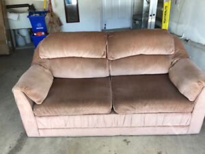 USED GOOD CONDITION SOFABED / LOVESEAT FOR SALE !