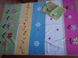 Floral Twin Quilt and sham Kitchener / Waterloo Kitchener Area image 2