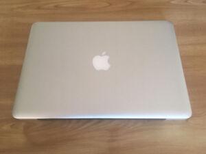 MacbookPro en parfaite condition et re-formaté