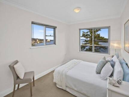 Amazing room in Manly,5min from the Wharf,incredible views