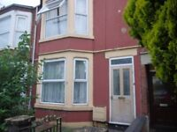 Massive Double room in friendly quiet house Central Rugby £350 PCM Availalbe 20th June