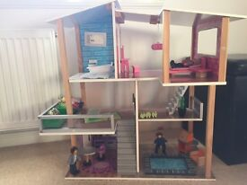 Kid Kraft Modern Living dolls house