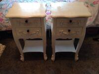 Ivory vintage style bedroom furniture 4 piece set