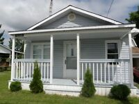 Cozy house with large garage - cheaper than rent