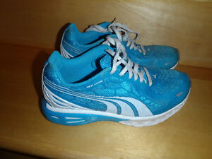 PUMA SNEAKER FOR GIRLS/JUST LIKE NEW