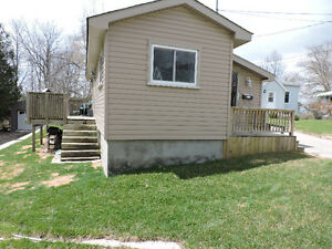 Available Now !! One Bedroom House with deck