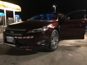 2011 Ford Taurus (absolute cleanest out there) 1 of a kind