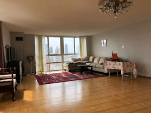 1700 sqft condo SQUARE ONE BY OWNER