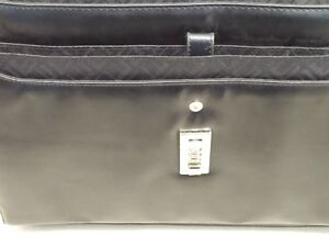 Leather Briefcase with Adjustable and Detachable Shoulder Strap Peterborough Peterborough Area image 5