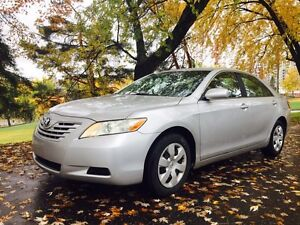 Toyota camry 2007. ‏automatique .Comme neuf