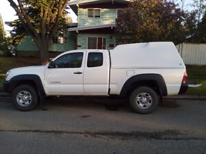 2014 Tacoma 4X4 access cab with Canopy $29500 cash or OBO