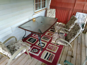 Outdoor table set with 4 chairs and cushions $100
