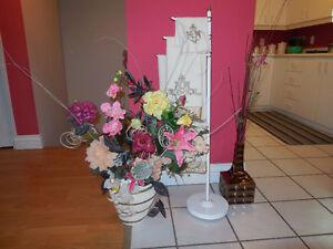 Plusieurs articles de décoration pour la maison