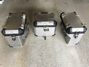BMW F800GSA Side cases and Top case like new