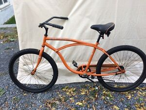 Manhattan Aero Cruiser Bike