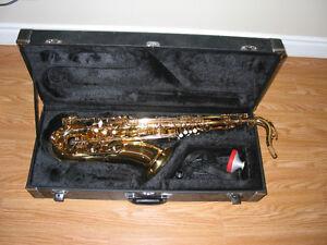 Lacquered Tenor Saxophone w/Case - Carlton