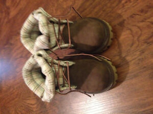 Girls size 8 toddler Timberland boots