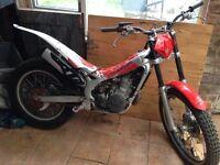 Beta Rev 3 trials bike