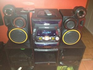 looking for this Venturer 5cd stereo