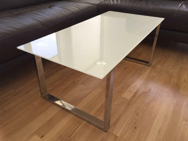 Very Good Condition Coffee Table White Tempered Glass Top With Chrome Legs In Canary Wharf