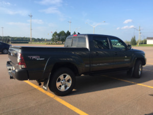 REDUCED - 2012 TOYOTA TACOMA TRD SPORT, LOW KMS!!!