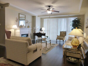 LUXURY LIVING IN HYDE PARK - QUICK POSSESSION - AWESOME PRICE! London Ontario image 3
