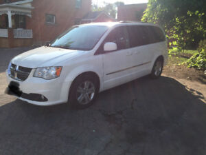 2011 Dodge Grand Caravan CREW - FULLY LOADED