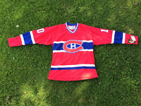 Canadiens Hockey Jersey autographed by Guy Lafleur mint!
