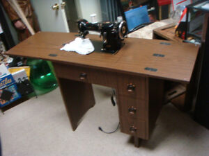 Vintage Phoenix Commercial Sewing Machine In Excellent Condition