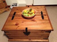 Storage chest/coffee table