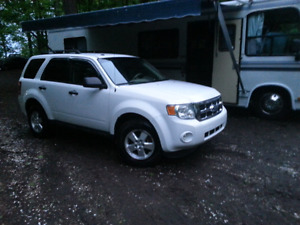 FORD ESCAPE ¤¤MINT **SAFETY AND E-TESTED **