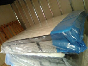 Brand NEW QUEEN size KINGSDOWN Mattress & BOX SPring delivery