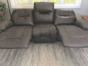 STRATFORD - Real Leather 3 Seater Recliner Stratford Kitchener Area image 3