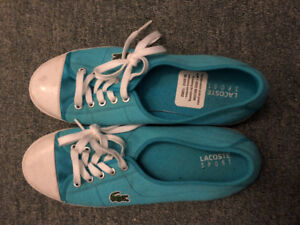 Barely worn Lacoste sneakers in size 7