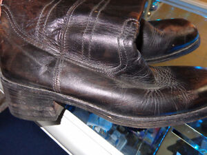 Mens 10 1/2 boots-   recycledgear.ca Kawartha Lakes Peterborough Area image 1