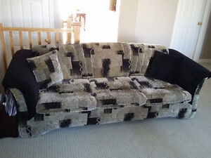 Couch and loveseat set with matching pillows black/brown fabric London Ontario image 1
