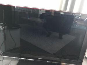 Samsung 46 inch LCD TV - older model, gently used
