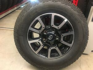 """18"""" Toyota Tundra SR5 alloy wheels and tires"""