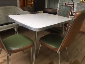 Vintage Apartment sized Table and 3 Chairs 40.00