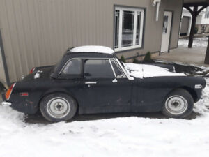 Best offer takes it .... 1974 MG Midget Convertible