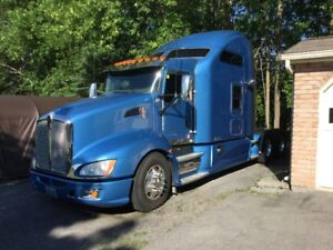 IMMACULATE 2013 KENWORTH T660 - 86 IN STUDIO TEAM SLEEPER