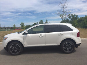 2013 Fully Loaded White Ford Edge SEL  (Very low KMs)