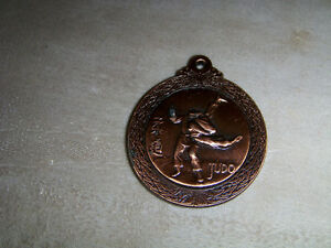 BRASS COLORED JUDO MEDALLION-MARTIAL ARTS-UNIQUE & COLLECTIBLE!